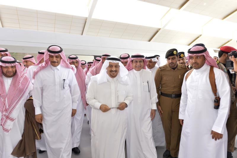 أمير الرياض يقوم برحلة عبر قطار الشمال للمجمعة ويزور المحطات (34669127) 