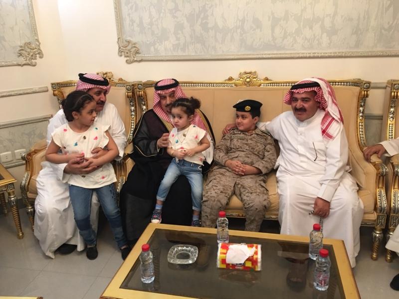. أمير الرياض يُعزي أسرة الشهيد الملحم (8)