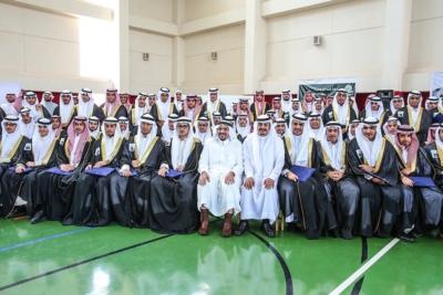 أمير القصيم يفاجئ طلاب ثانوية الأمير سلطان   (1) 