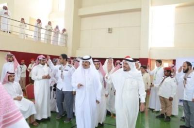 أمير القصيم يفاجئ طلاب ثانوية الأمير سلطان   (165645333) 