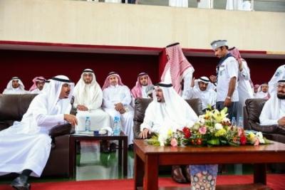 أمير القصيم يفاجئ طلاب ثانوية الأمير سلطان   (165645336) 