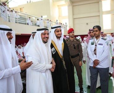 أمير القصيم يفاجئ طلاب ثانوية الأمير سلطان   (165645338) 
