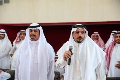 أمير القصيم يفاجئ طلاب ثانوية الأمير سلطان   (165645339) 