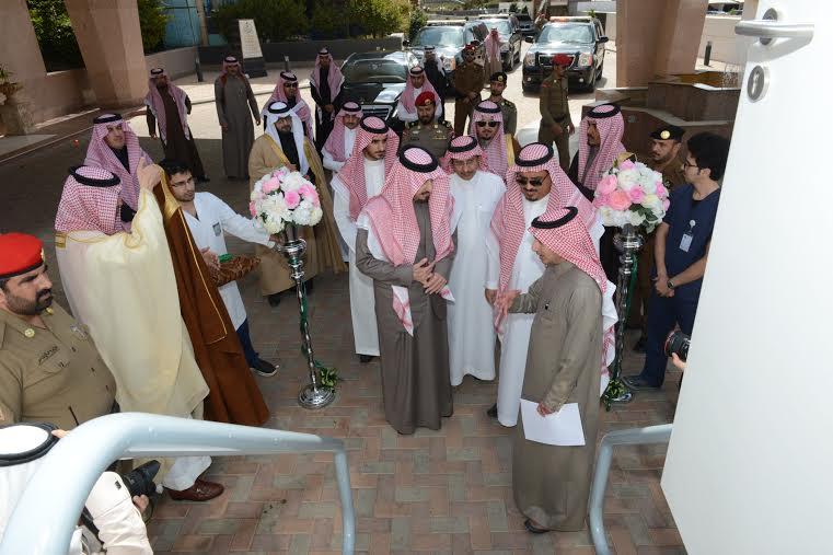 أمير #عسير يدشّن عيادات لملك خالد2