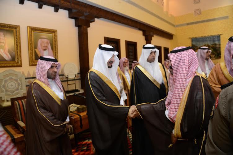 أمير عسير يستقبل المهنئين بعيد الفطر في أبها (804081659) 