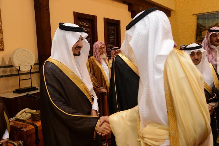 أمير عسير يستقبل المهنئين بعيد الفطر في أبها (804081660) 