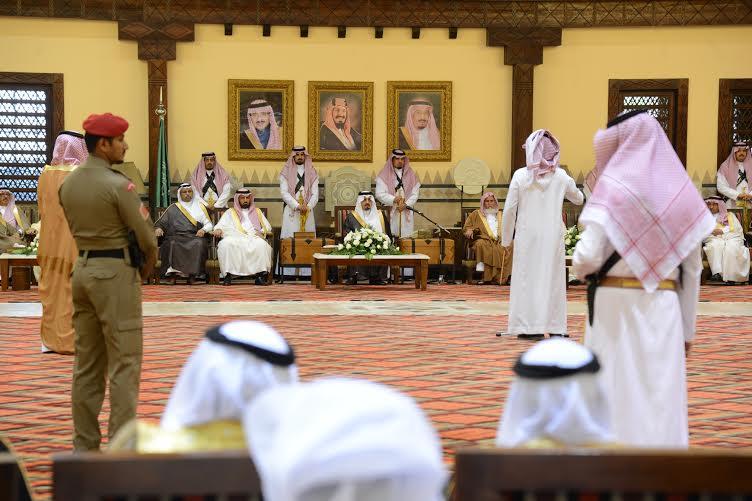 أمير عسير يستقبل المهنئين بعيد الفطر في أبها (804081661) 
