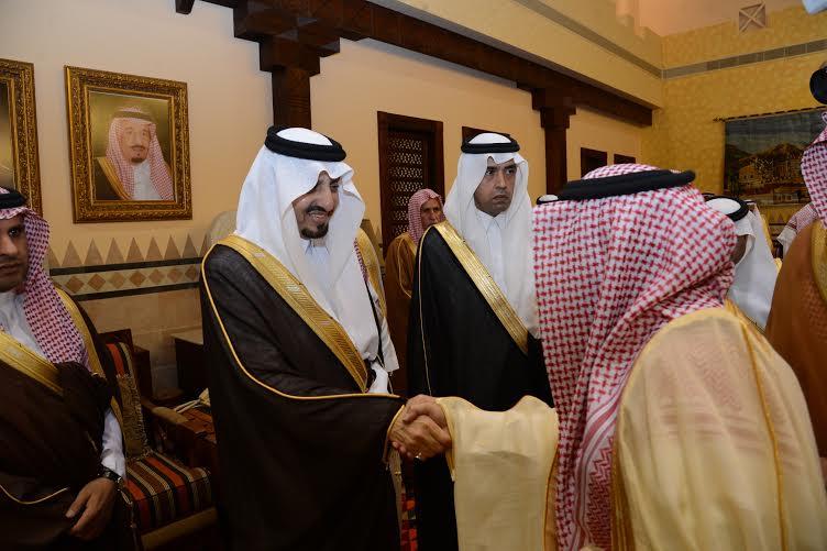 أمير عسير يستقبل المهنئين بعيد الفطر في أبها (804081662) 
