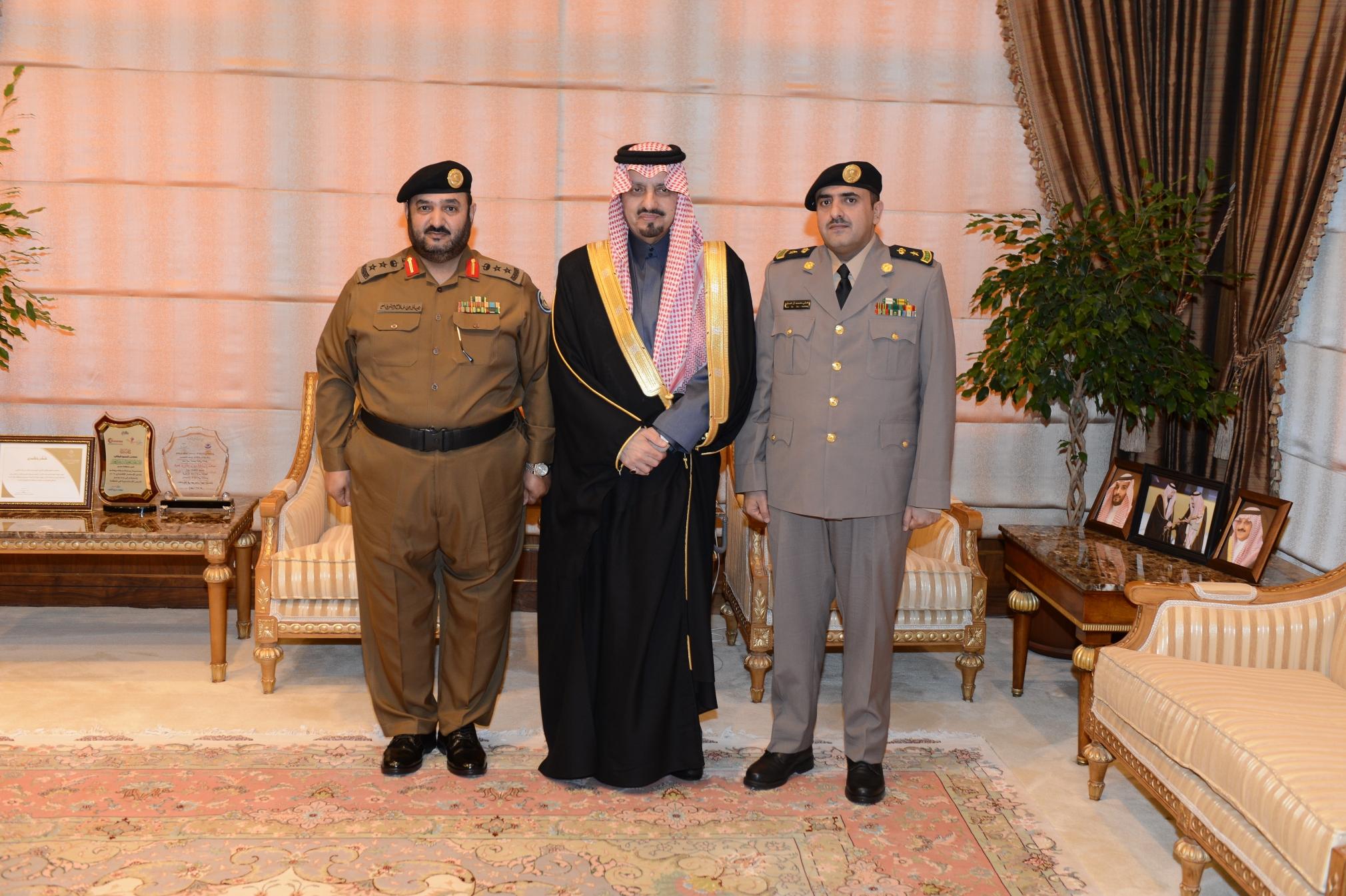 أمير عسير يستقبل قائد القوة الخاصة لأمن الطرق (2)