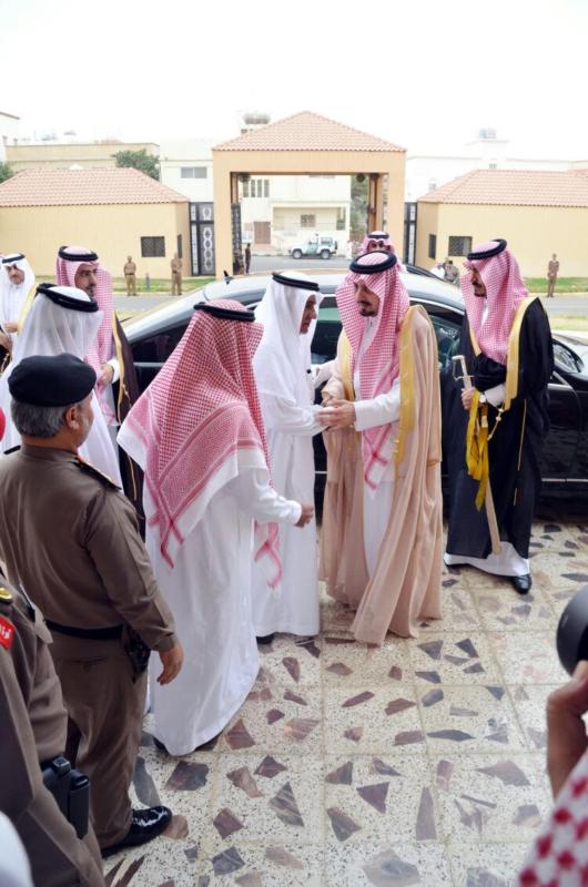 أمير عسير يعزي أسرة آل مشيط (643968173) 