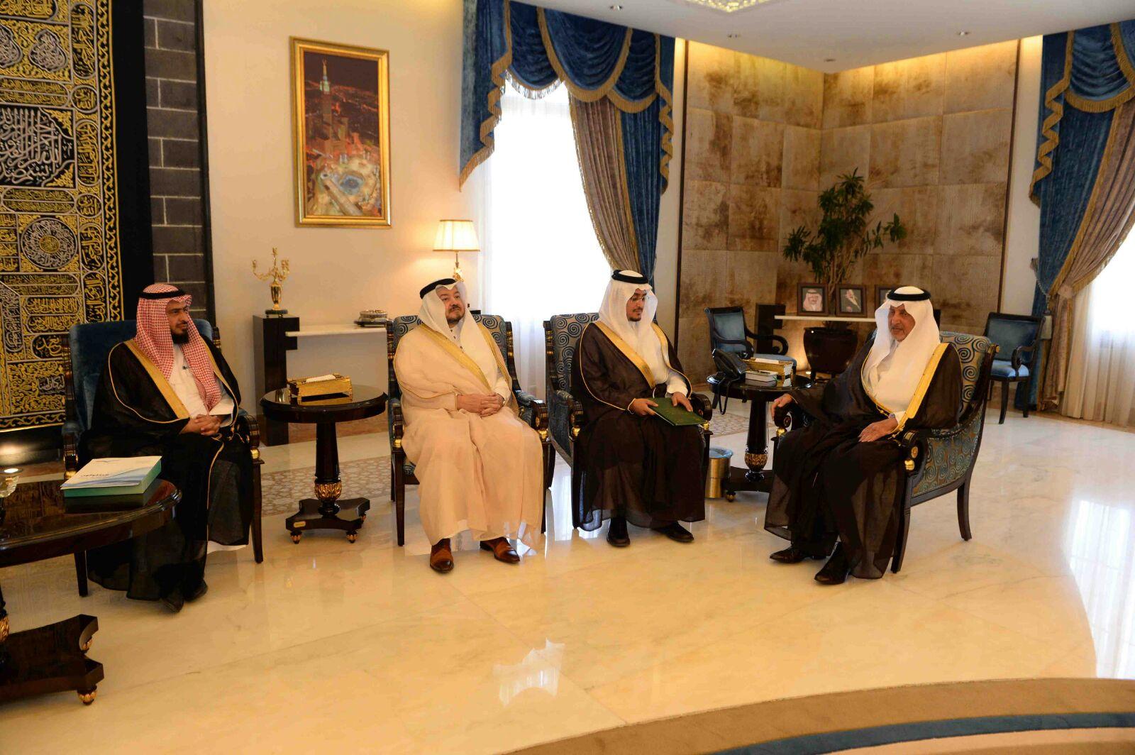 أمير مكة يؤكد أهمية مرحلة تعقب تصحيح أوضاع البرماويين (1)
