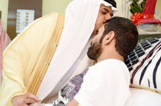 أمير الرياض بالنيابة لمصابي الأمن: أنتم فخر للدين والوطن تواجهون على حق وتذودون بكل شجاعة وبسالة - المواطن
