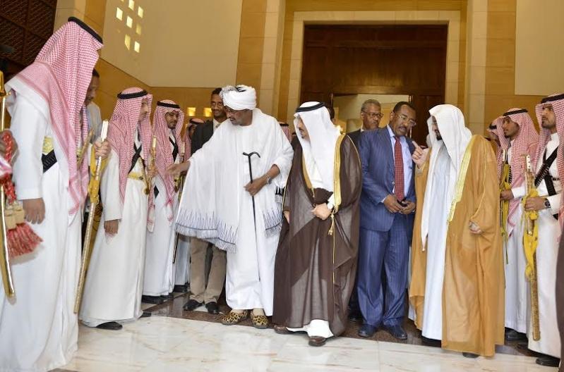 أمير منطقة الرياض يجتمع بوالي ولاية الخرطوم بجمهورية السودان13