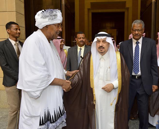 أمير منطقة الرياض يجتمع بوالي ولاية الخرطوم بجمهورية السودان15