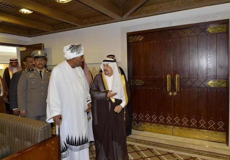 أمير منطقة الرياض يجتمع بوالي ولاية الخرطوم بجمهورية السودان2