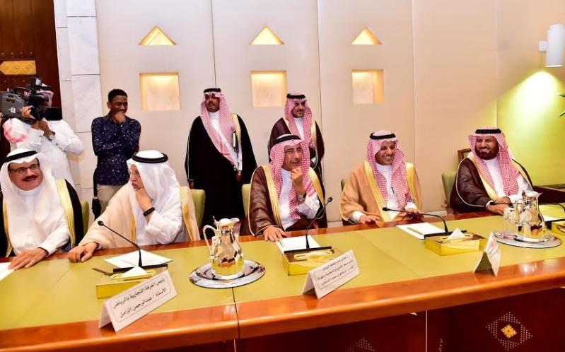 أمير منطقة الرياض يجتمع بوالي ولاية الخرطوم بجمهورية السودان24