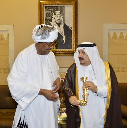 أمير منطقة الرياض يجتمع بوالي ولاية الخرطوم بجمهورية السودان31