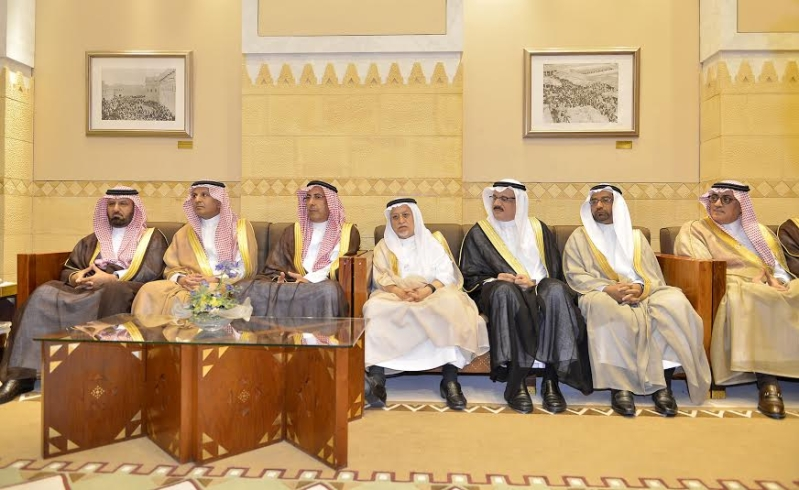 أمير منطقة الرياض يجتمع بوالي ولاية الخرطوم بجمهورية السودان4