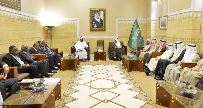 أمير منطقة الرياض يجتمع بوالي ولاية الخرطوم بجمهورية السودان9