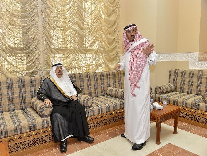أمير منطقة الرياض يزور دارة الملك عبدالعزيز بمركز الملك عبد العزيز التاريخي بالمربع