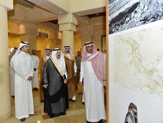 أمير منطقة الرياض يزور دارة الملك عبدالعزيز بمركز الملك عبد العزيز التاريخي بالمربع1