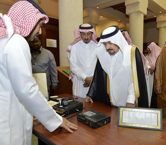 أمير منطقة الرياض يزور دارة الملك عبدالعزيز بمركز الملك عبد العزيز التاريخي بالمربع18