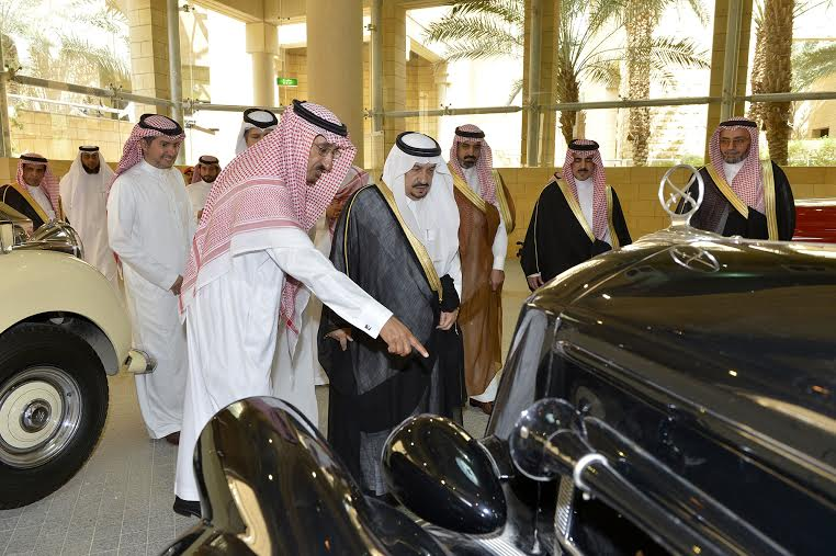 أمير منطقة الرياض يزور دارة الملك عبدالعزيز بمركز الملك عبد العزيز التاريخي بالمربع25