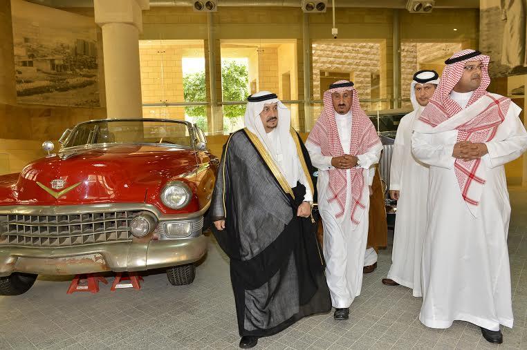 أمير منطقة الرياض يزور دارة الملك عبدالعزيز بمركز الملك عبد العزيز التاريخي بالمربع26