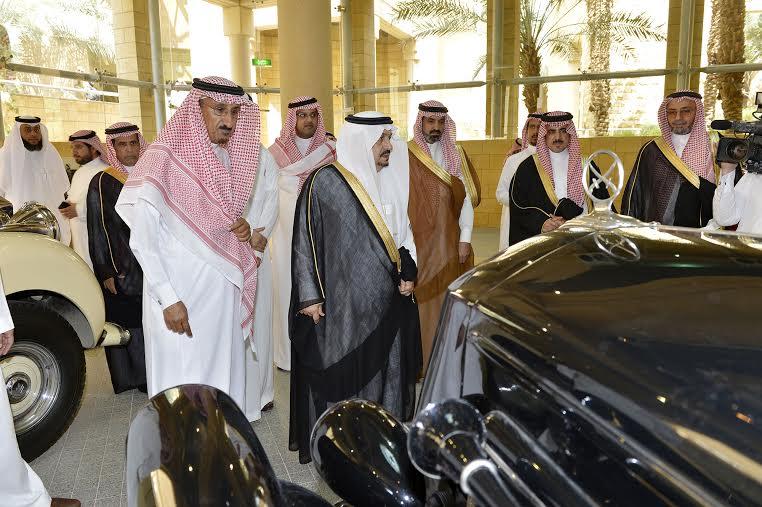 أمير منطقة الرياض يزور دارة الملك عبدالعزيز بمركز الملك عبد العزيز التاريخي بالمربع27