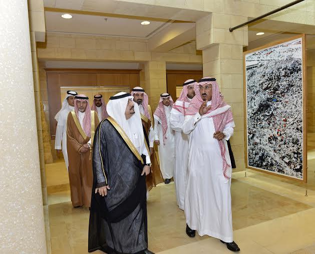 أمير منطقة الرياض يزور دارة الملك عبدالعزيز بمركز الملك عبد العزيز التاريخي بالمربع5