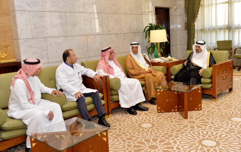 أمير منطقة الرياض يعلن انضمامه إلى سجل التبرع بالخلايا الجذعية (1) 