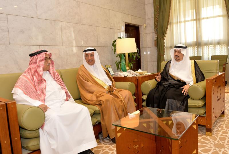 أمير منطقة الرياض يعلن انضمامه إلى سجل التبرع بالخلايا الجذعية (175372999) 