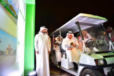 أمير منطقة الرياض يفتتح 10 حدائق في أحياء الرياض8