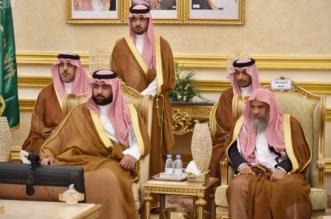 محمد بن عبدالعزيز يستمع لمطالب الأهالي في قصر الإمارة - المواطن