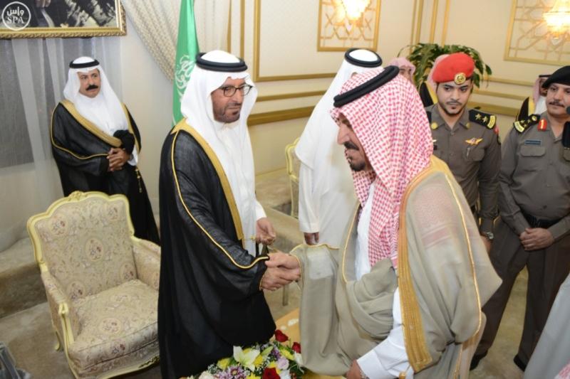 أمير منطقة حائل يستقبل عدداً من المسؤولين وجمعاً من المواطنين 2