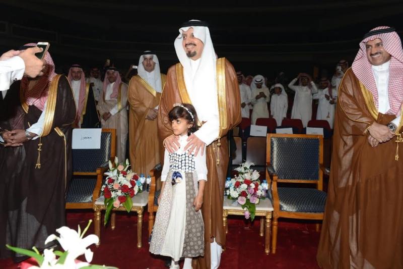 أمير منطقة عسير يرعى حفل تكريم ليالي المحافظات 5