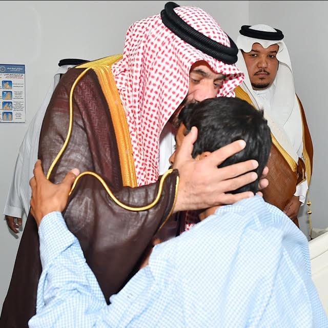 أمير نجران للجنود المصابين (1)