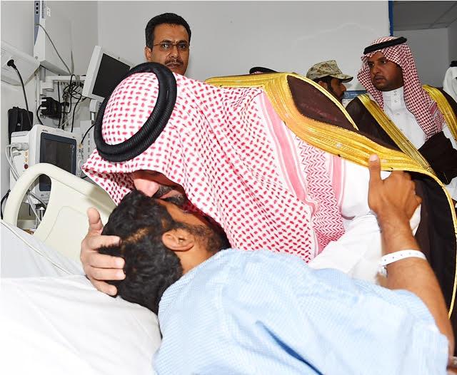أمير نجران للجنود المصابين (2)