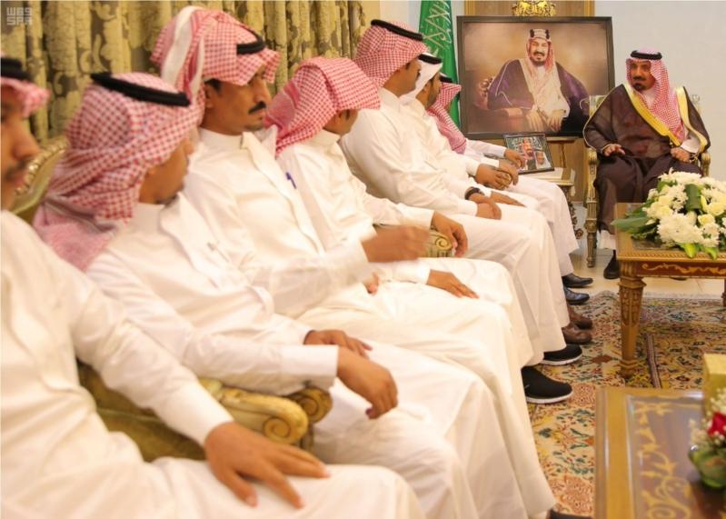 أمير نجران مع اعضاء المجلس البلدي بالحصينية