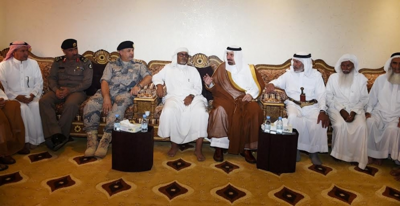 أمير نجران ينقل تعازي القيادة لأسرة الشهيد آل سنان4
