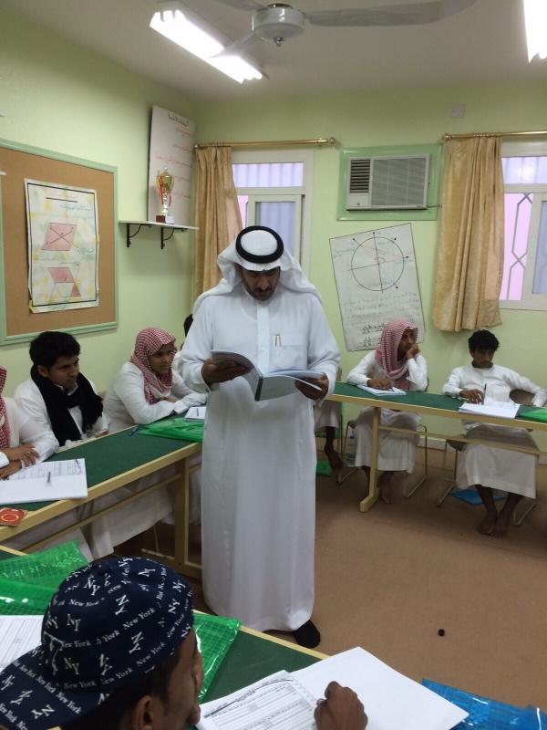 أمين جمعية مراكز أحياء #ميسان بـ #الطائف يتابع برنامج اختبار قدرات الطلاب (1)