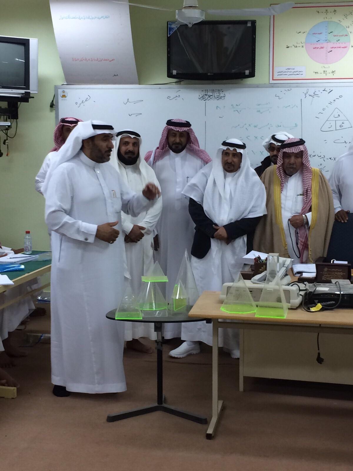 أمين جمعية مراكز أحياء #ميسان بـ #الطائف يتابع برنامج اختبار قدرات الطلاب (2)