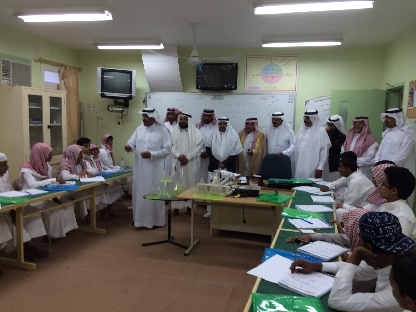 أمين جمعية مراكز أحياء #ميسان بـ #الطائف يتابع برنامج اختبار قدرات الطلاب (3)