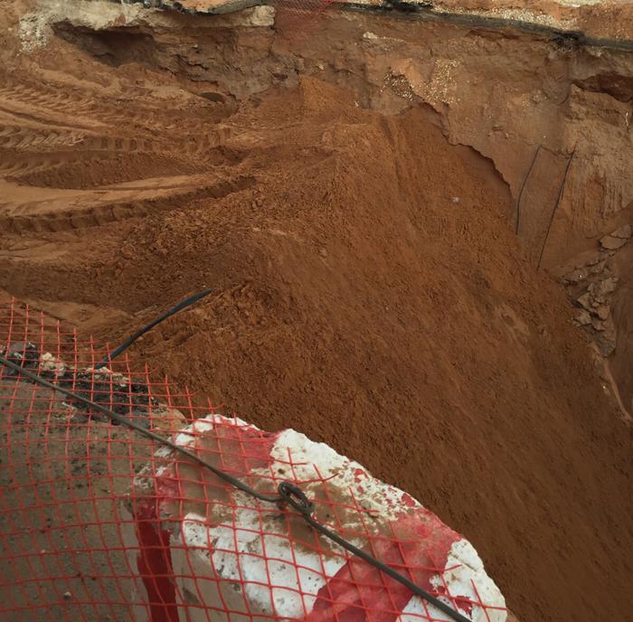 أهالي #البكيرية يعانون من الحفريات وغياب الرقابة على مشاريع الصرف (1)