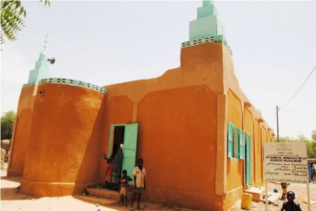 أول-مسجد-خرساني-في-قرية-بولكاغو (1)