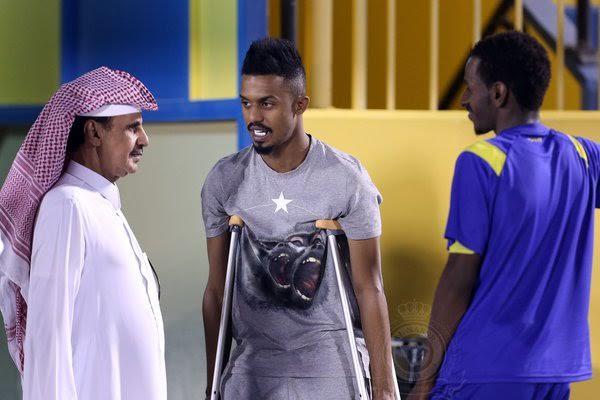 إبراهيم غالب يزور تدريبات النصر1