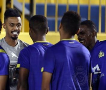 إبراهيم غالب يزور تدريبات النصر3