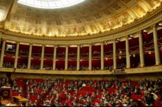 اتهامات بالتحرش تطيح نائب رئيس البرلمان الفرنسي - المواطن