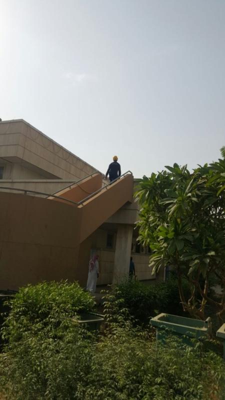 إخلاء مرضى مستشفى صامطة بعد انبعاث دخان (335145423) 