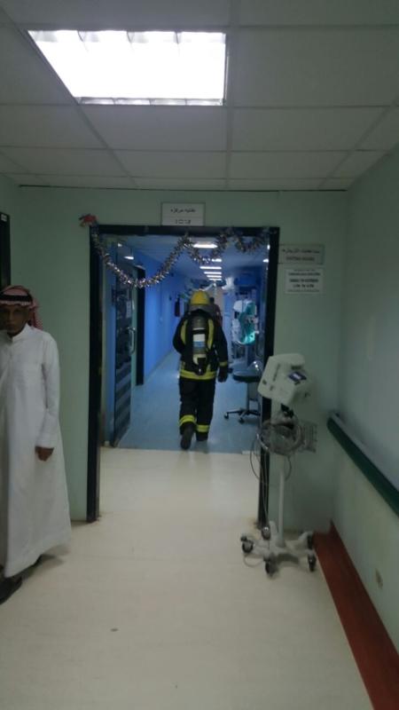 إخلاء مرضى مستشفى صامطة بعد انبعاث دخان (335145424) 